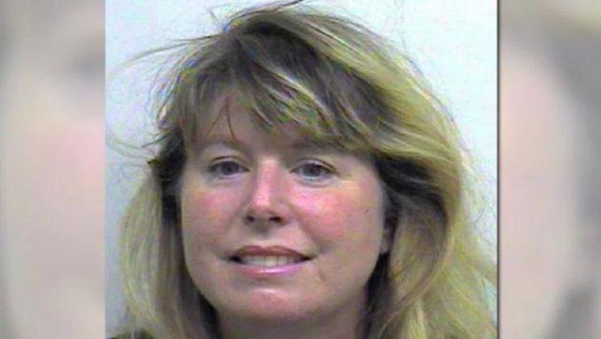 Jeannine Cherilynn Isom Attacks Her Son In Walmart Bathroom