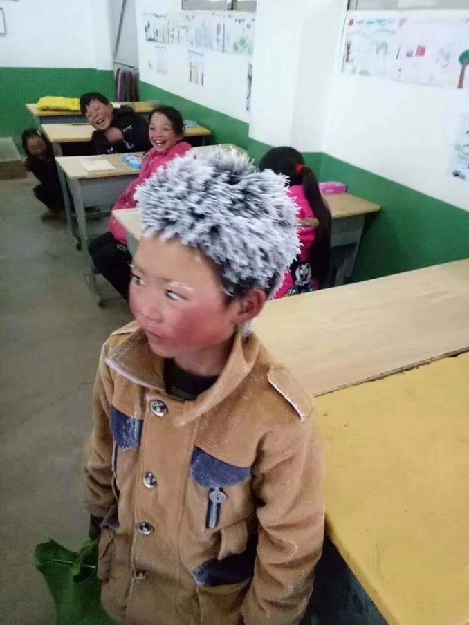 Wang Fuman Arrives At School With Frozen Head, Teacher Looks Closer