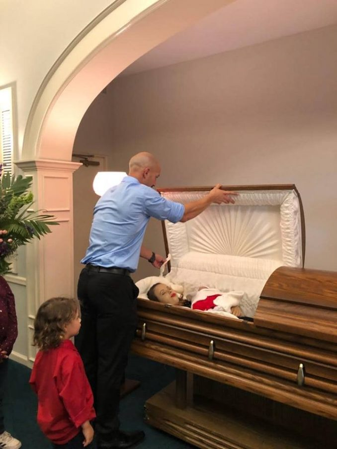 Zach Kincaid Posts Photos Of His Dead Wife & Child In A Coffin