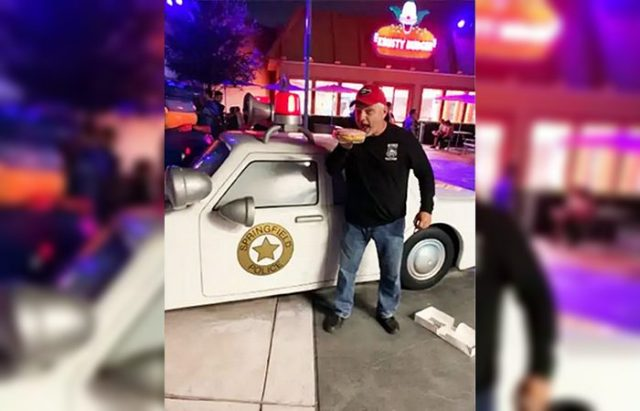 Vincent Champion Retired Cop Stopped By Universal Studios Security Refused Entry For Confusing Shirt